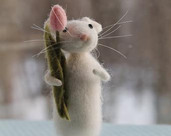 Needle Felt Animal, Mice, Gift, Scene of the Nature, internal decor, Decorating, Valdorf's Art, Tulip, spring, pink  flower