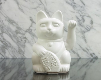 Maneki Neko / Lucky Cat / Waving Cat in 2 Sizes – White matt