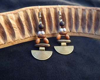 ethnic earrings in natural seeds