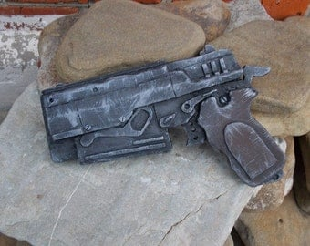 Radioactive weapon Gun 10 mm rusty pistol 4 post apocalyptic falllout fall out
