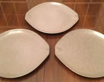 Set of 3 grey vintage Raymor by Roseville, USA 12-inch pottery dinner plates, Ovenproof