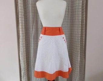 1980s knee length high waist skirt with Polka dots and  buttons/small