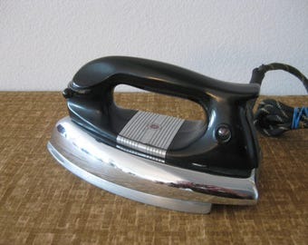 1940s Retro Iron GE General Electric Clothes Iron Model 119F23