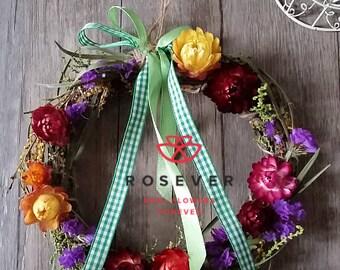 Dry daisy wreath