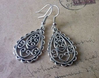 Drop earrings ~ silver ~