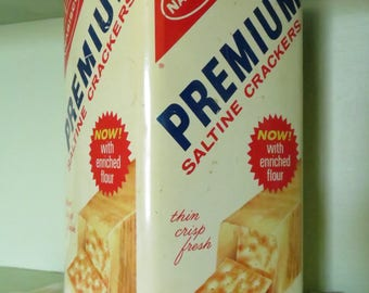 Vintage Nabisco Premium Saltine Tin, Retro, Farmhouse, Country, Rustic, Kitchen, Advertising