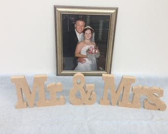 Mr & Mrs table top sign. Wooden Mr and Mrs wedding sign set. Wedding decoration.  Wedding accessory.