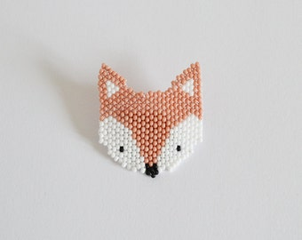RENARD Fox head brooch • Brooch made in brick stitch weaving