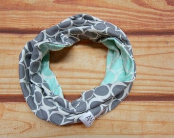 Infinity scarf reversible 6-36 months - circles