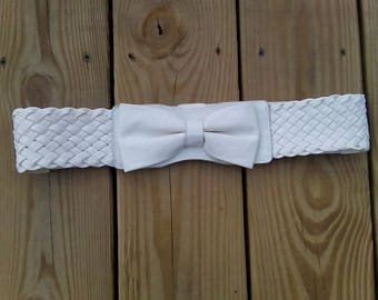Vintage White Faux Leather Stretch Belt with Braided Accents and Bow Double Snap Closure