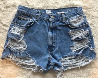 Destroyed vintage highwaisted denim shorts (mostly levi's and calvin klein)