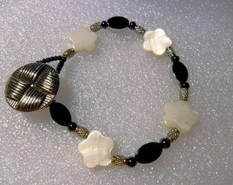 Mother-of-Pearl, glass beads,button + loop bracelet 7.75""