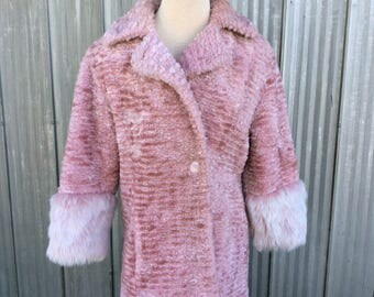 Pink faux fur jacket from Oliver Paris - Eccentric retro style winter coat