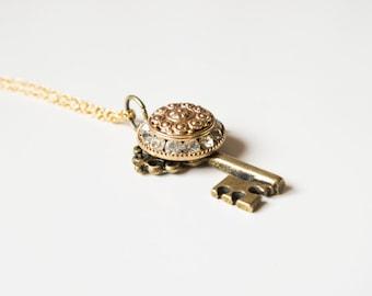 Key necklace. Victorian pendant. Key pendant. Victorian necklace. Charm pendant necklace. Pendant jewelry necklace. Cute victorian pendant.