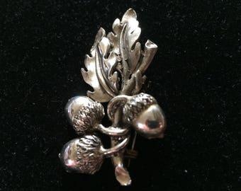 Vintage Silver Tone Metal Oak Leaf & Acorn Brooch