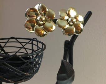 Vintage Big Flower Gold-Tone Clip On Earrings
