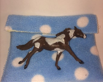 1:32 scale model horse pouch