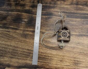Antique Vintage YALE and TOWNE Cast Bronze Brass Padlock Lock & 1 Key