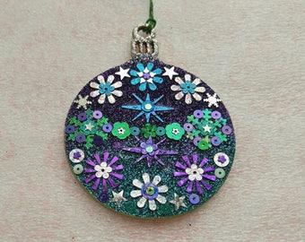 Round Ornament 18