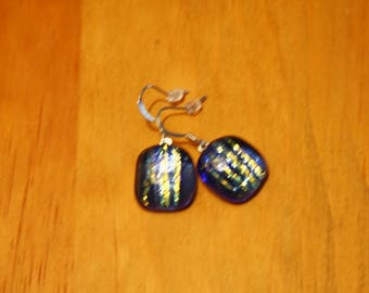 Blue lined iridescent earrings