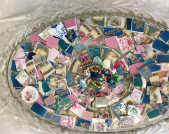 BRoKeN CHiNa MoSAiC TiLeS~~SweeT TeaLs~~LoVeLy