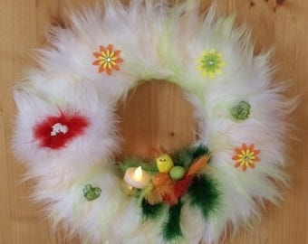 Hanging Easter wreath in green/Orange