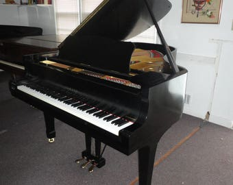 Yamaha grand  piano  model  C3