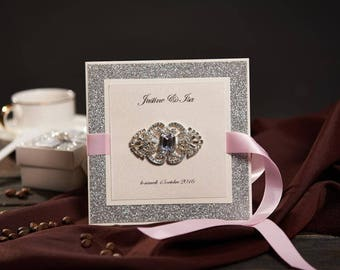 50 Vintage Brooch Wedding Invitations Card Set Sliver Glitter With Pink Ribbon Birthday Party Invitation With RSVP and Envelope NK730