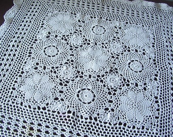 Vintage - beautiful old tablecloth - 60 / 70s, rectangular tablecloth, cotton, handmade - large 60 cm x 60 cm I