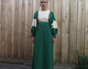 Awesome Norman Hartnell 60s bell sleeve emerald green dress