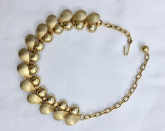Mid-century gold tone necklace