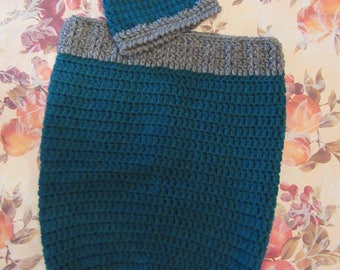 Baby Boy's cocoon and hat set (blue and gray heather)