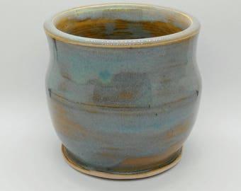 Handmade Wheel Thrown Stoneware Pot