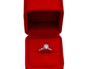 Beautiful Tiffany Style Engagement Ring