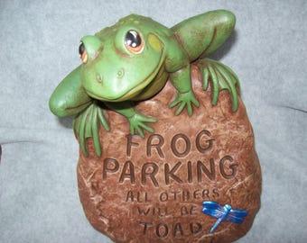 Home and Garden Decor Ceramics Yard Art Frog on Stone Flower Gardens