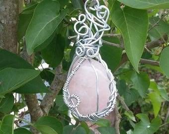 Pink quatz pendant