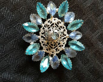 Beautiful Odd Shaped Vintage Brooch