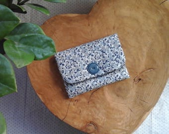 Blue flower clutch