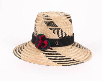 Summer pompom-embellished woven straw sunhat