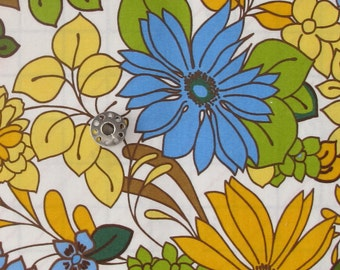 Vera's Garden Fabric Remnants | OOP Medium Large Scale Vintage Inspired Floral Print Fabric from Robert Kaufman