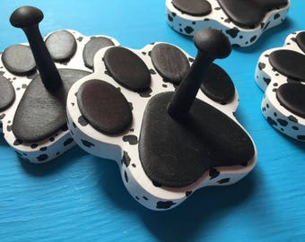 Black & White SPOTTED Paw Print Dog Leash Holder