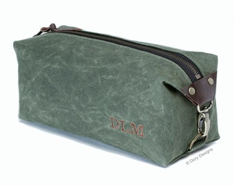 Personalized Gift, Dopp Kit, Men's Toiletry Bag, Travel Bag with Inside Pocket - Water Resistant Lining - Waxed Canvas