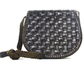 80s Woven Leather Purse / Vintage 1980s Black Leather Bag with Long Shoulder Strap / Cross Body Purse