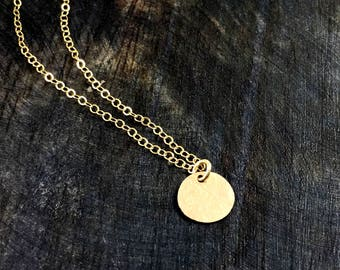 Simple Gold Hammered Disk Necklace / Minimalist Jewelry / Simple Necklace /Full Moon Necklace