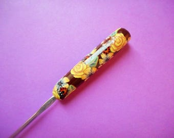 Polymer Clay Floral Covered Crochet Hook, Boye, Size G