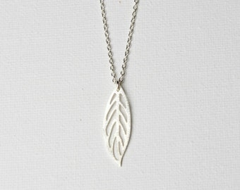 Sterling Silver Leaf Necklace, Silver Leaf Pendant Necklace, Minimal Jewelry, Nature Jewellery, Gift for Women