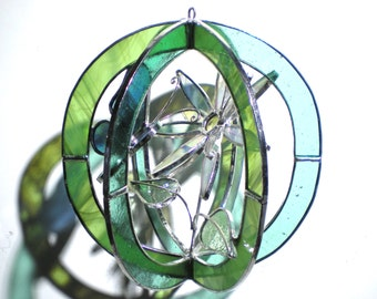 Delightful Daisy - 3D Stained Glass Sphere - Small Spring Flower Home Decor Suncatcher 3Dimensional Handmade Hanging Orb (READY TO SHIP)