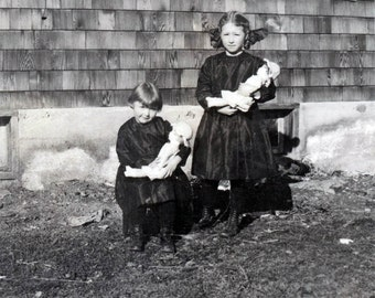 vintage photo 1915 Kuna Idaho Sisters Little Girls Hold Dolls by House Funeral Clothing