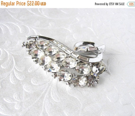 20% SALE Floating Leaf Vintage Rhinestone Brooch Formal Costume Jewelry Bridal Gown Pin Wedding Bouquet Clip Pageant Ballroom Costume Access