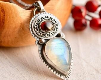 Rhodolite Garnet Necklace, Rainbow Moonstone Necklace, Old World Style Jewelry, Modern Rustic Jewelry, Oxidized Silver Jewelry